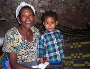 Edelawit-mit-ihrer-Mutter